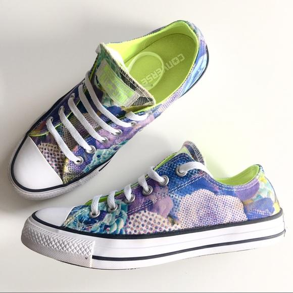 54c300c70bb7 Converse Purple Digital Floral Ox Canvas Sneakers.  M 5a8f2adedaa8f63d422e142e